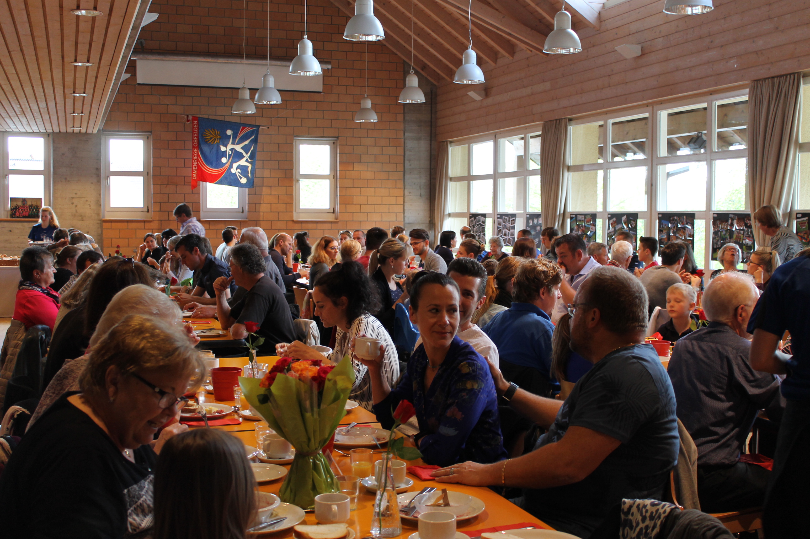 Gelungener Muttertagsbrunch in der Brunnmatt